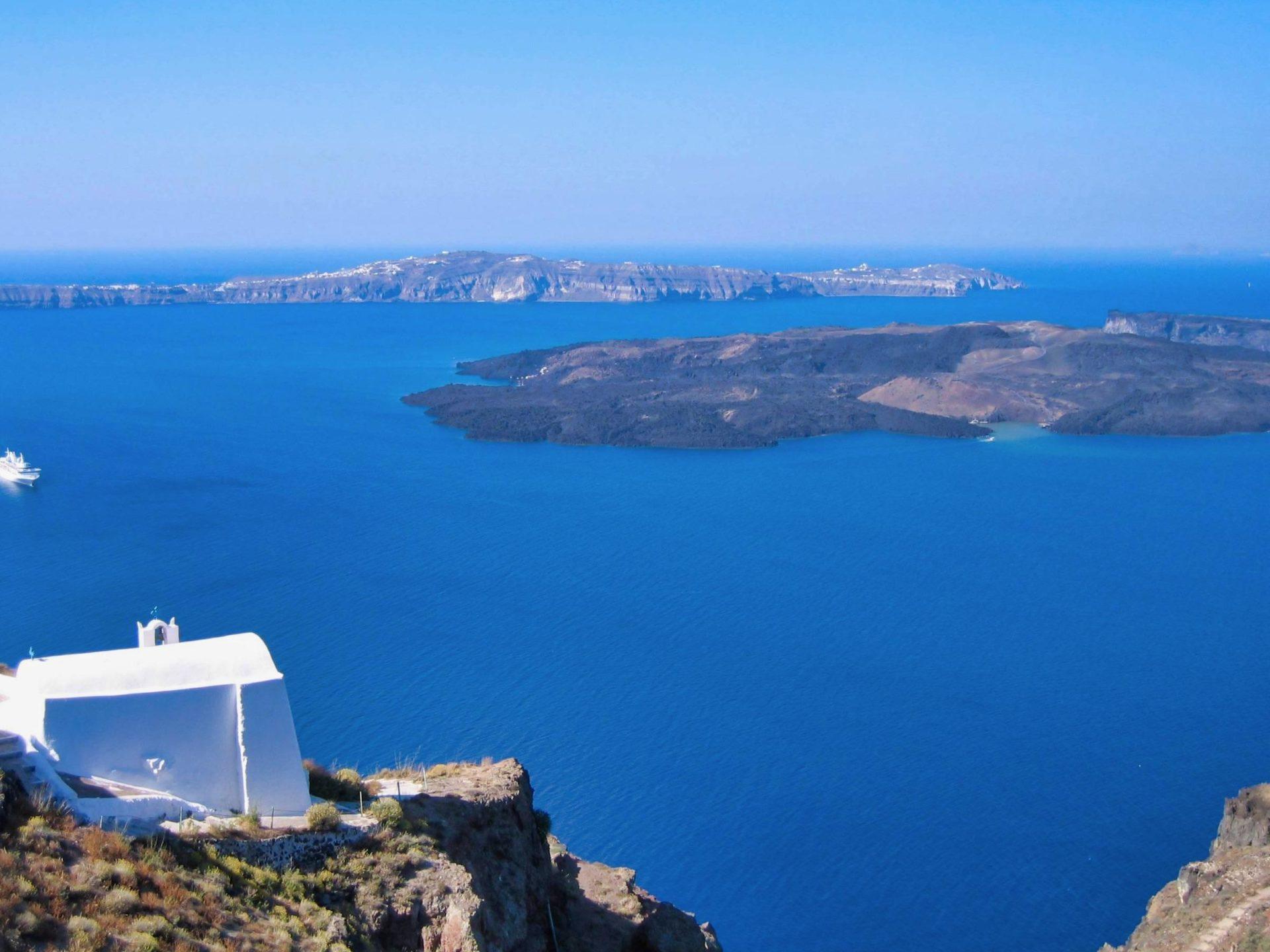 Santorini is so stunningly beautiful, it makes Crete look like garbage.